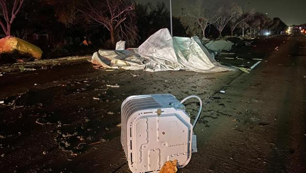 Damage reported in Arlington (twitter.com/ArlingtonPD)