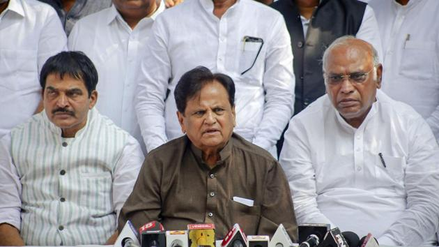 In this file picture from 2019, Congress leader Ahmed Patel flanked by KC Venugopal Rao and Mallikarjun Kharge (R) addresses a press conference, in Mumbai.(PTI)