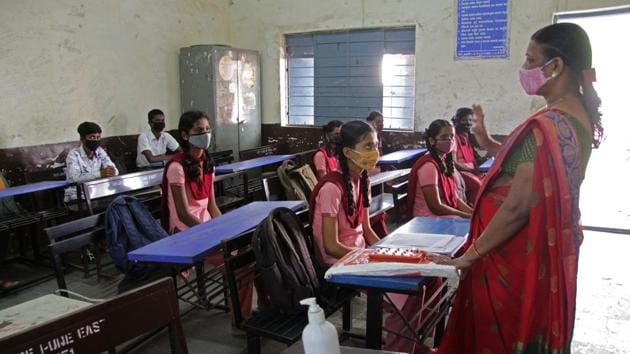 In Pune district, 16,949 vacancies were available at the 972 RTE registered schools for this year.(Ravindra Joshi/HT PHOTO)
