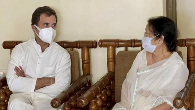 Congress leader Rahul Gandhi meets Dolly Gogoi, the wife of former Assam chief minister Tarun Gogoi, at their residence in Guwahati on Wednesday.(PTI PHOTO.)