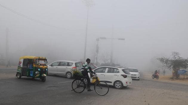 The rise in the temperatures was because of a cloudy weather due to a western disturbance, which will pass by Thursday, according to the meteorological department here.(Parveen Kumar/HT file photo. Representative image)