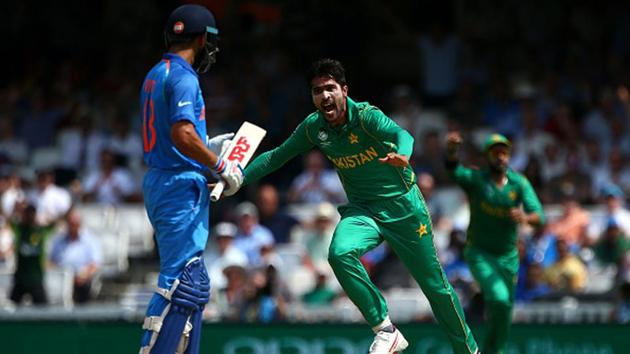 Mohammad Amir celebrates Virat Kohli's wicket during the 2017 Champions Trophy final in England.(Getty Images)