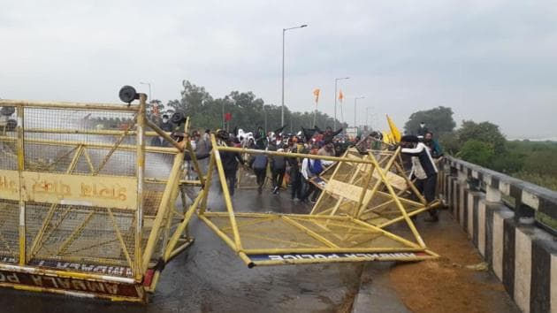 Farmers brace for a face-off with Police at Delhi-Haryana border. (Photo: HT)