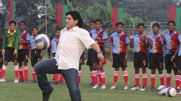 Diego Maradona during a visit to the Mohun Bagan Football Club, in Kolkata.(Ashok Nath Dey/HT Archive)