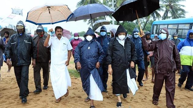 """Officials inspect the beach ahead of the landfall of Cyclone Nivar in Ramanathapuram on November 25. Tamil Nadu Revenue Minister R B Udhayakumar expressed relief that no incidents of loss of life were reported due to rains, however, there were several incidents of wall collapse. """"There is no loss of lives due to the rains. People have given us full cooperation,"""" Udhayakumar told PTI. (ANI)"""