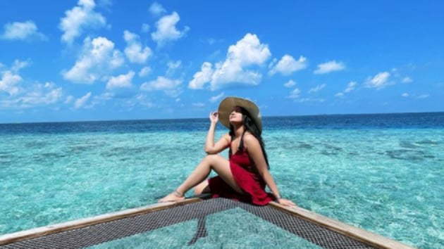Sonakshi Sinha shares another gorgeous picture from the Maldives before heading home.