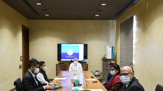 PM Modi at the Bharat Biotech facility in Hyderabad.(@narendramodi/Twitter)