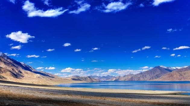 The idea behind the deployment of the MARCOS in Eastern Ladakh where Indian Air Force's Garud operatives and Indian Army's Para Special Forces, which have been there since day one of the conflicts, is to enhance the integration of the three services.(HT Archive)