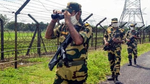 BSF and BGB have decided a joint pre-emptive crackdown on border crimes identified by the two sides during their meeting.(PTI Photo)