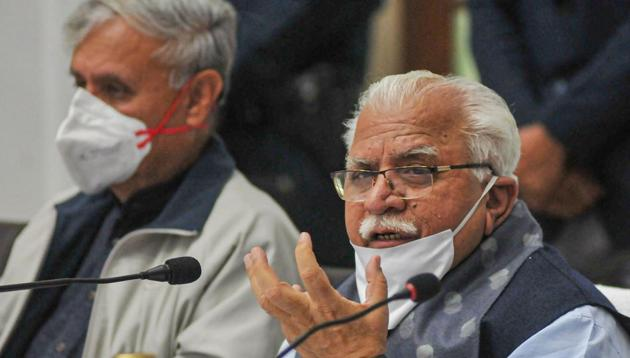 Haryana Chief Minister Manohar Lal Khattar speaks to media representatives on farmers' 'Delhi Chalo' protest march against the new farm laws, in Gurugram on Saturday.(PTI)