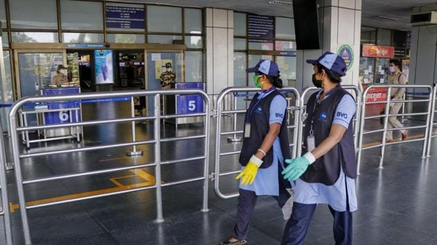 Pilots and crew members of the aircraft have announced about the reality of flight delayed that a team of doctor is coming to take the flight and they are running late with live organ.(PTI/Representative Photo)