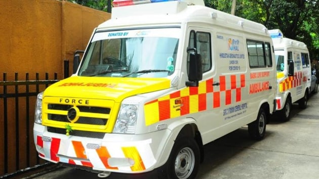 To help save lives of road accident victims by taking them to nearby hospitals as quickly as possible, the West Bengal government will soon start a free-ambulance service.(PTI/ Representative photo)