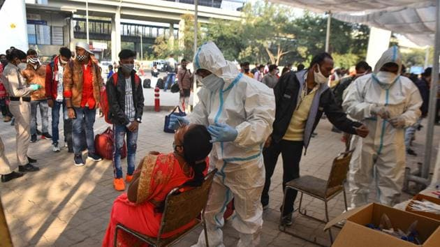 According to the health ministry, the overall recovery rate is nearing 94 per cent.(Sanchit Khanna/HT Photo)