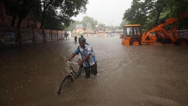 Heavy rains led to waterlogging ahead of the landfall of cyclone Nivar, in Chennai last week.(File photo)