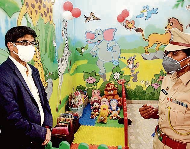 Abhay Karandikar, director, IIT, inaugurated children-friendly police station in Camp, on Monday.(Shankar Narayan/HT PHOTO)