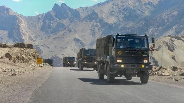 In eastern Ladakh, Indian soldiers are holding positions at heights of almost 20,000 feet in the Finger Area on the northern bank of Pangong Tso. 0_000105B)(PTI)