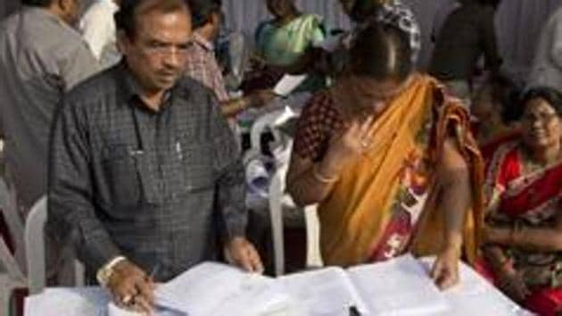 The Telangana State Election Commission (SEC) has made elaborate arrangements for the balloting process by deploying 48,000 (including reserve) polling personnel and 52,500 strong police force.(AP file photo)
