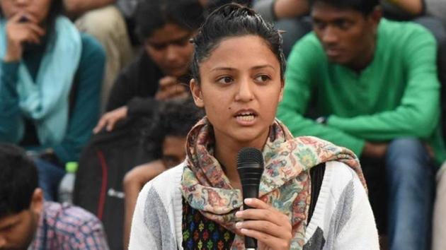 Student activist Shehla Rashid speaks to a student gathering in front of Admin Building in New Delhi on Friday, February 26, 2016. (Photo by Vipin Kumar / Hindustan Times)(Hindustan Times)