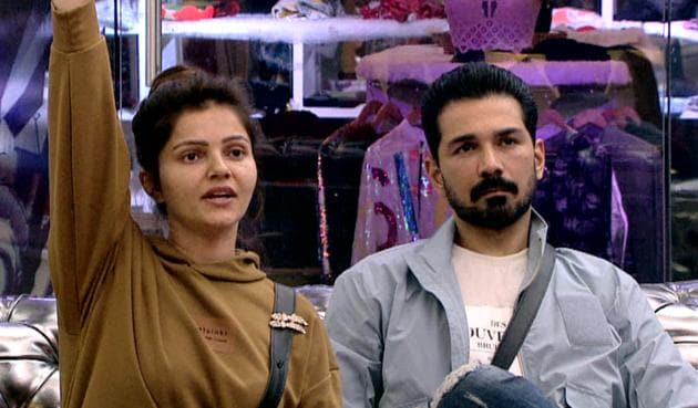 Abhinav Shukla was seen crying after his wife revealed they were on verge of divorce before entering Bigg Boss 14.