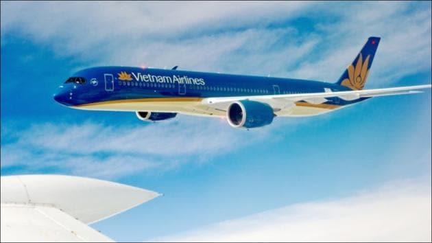 Vietnam PM Phuc orders halt to international commercial flights(Twitter/InsiderVietnam)