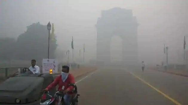 As per the Central Pollution Control Board (CPCB), the AQI on Tuesday was 367, even worse than Monday's 318, though both are in the very poor category.(AP file photo)
