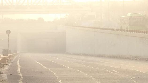 IMD scientists said the AQI is likely to remain in very poor category for the rest of the week too.(File photo)