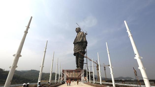 The Statue of Unity stands facing Sardar Sarovar Dam is sen at Kevadiya Colony, about 200 kilometers (125 miles) from Ahmadabad.(AP)