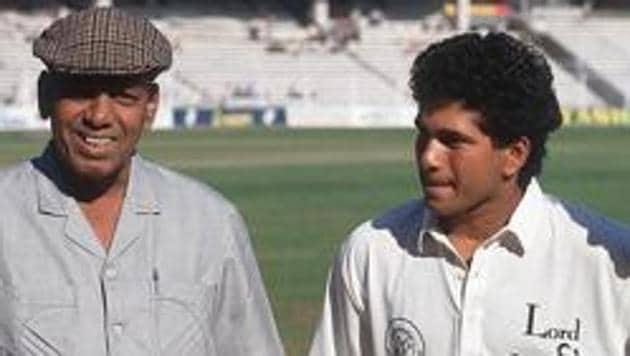 File photo of Sachin Tendulkar and his childhood coach Ramakant Achrekar.(Popperfoto/Getty Images)