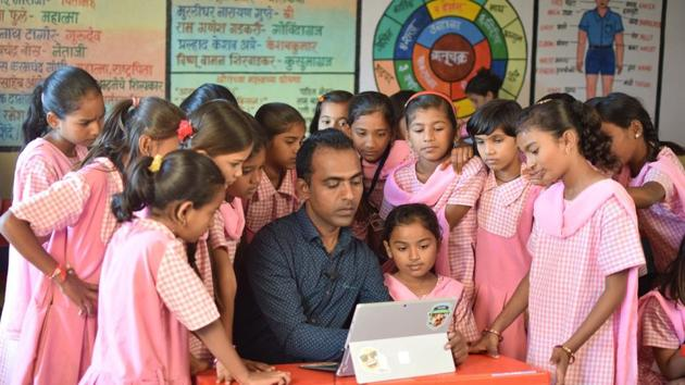 Ranjitsinh Disale, a teacher at a ZP school in Solapur, was awarded for adopting innovation to better teaching outcomes.(HT)