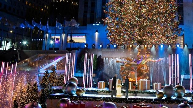 The Christmas tree is lit at Rockefeller Center amid the coronavirus disease (COVID-19) restrictions in New York City, New York, U.S., December 2, 2020.(REUTERS)