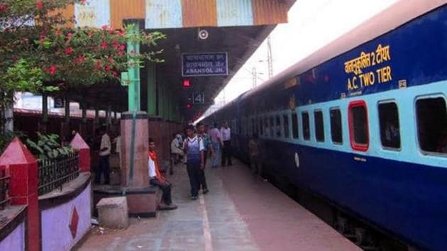 The railway police officials have not ruled out the possibility that the woman and her children could have deboarded the train at Asansol junction in West Bengal.(Indian Railways)