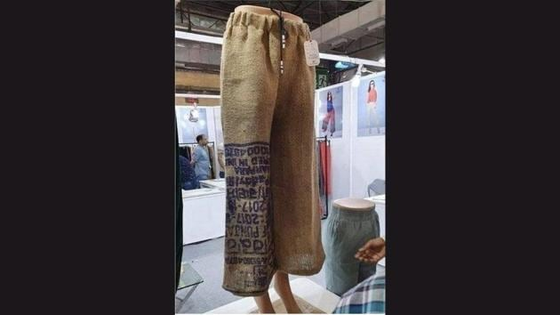 The image shows potato pants.(Twitter/@arunbothra)