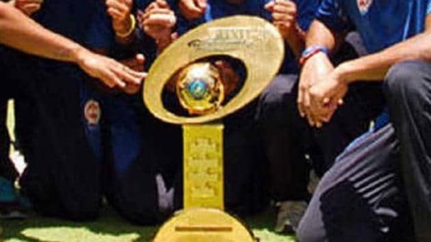 Trophy given to winner of India's domestic T20 competition, Syed Mushtaq Ali Trophy.(Twitter)