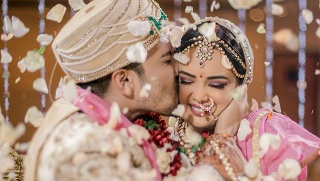 Aditya Narayan with Shweta Aggarwal at their wedding in Mumbai.