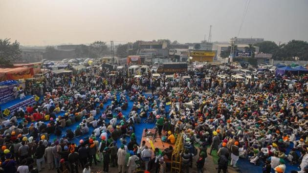 A view protesting farmers camping at Singhu Border against farm reform laws, in New Delhi.(Amal KS/HT PHOTO)