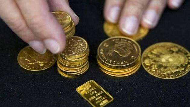 In the previous trade, the gold had closed at Rs 48,949 per 10 gram.(Reuters)