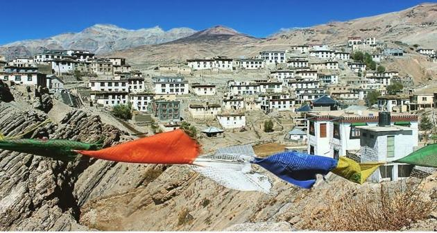 Lahaul and Spiti is among the top three districts with a high positivity rate in Himachal Pradesh. Kibber is situated at an altitude of 14,400 feet and is surrounded by a wildlife sanctuary, which is the habitat of the elusive snow leopard.(HT Photo)