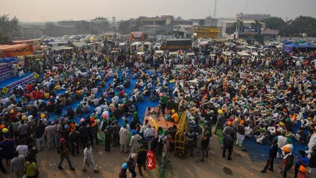 A view protesting farmers camping at Singhu Border against farm reform laws, in New Delhi on Friday.(Amal KS/HT Photo)
