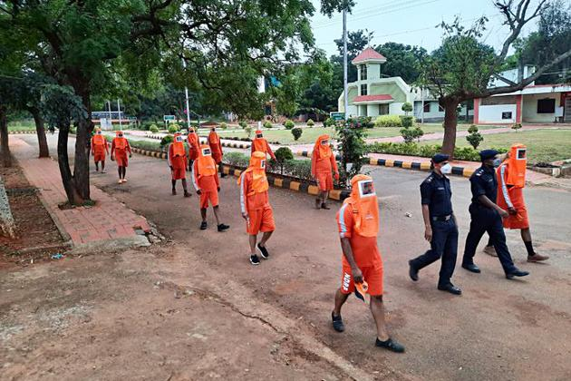 NDRF personnel deployed for rescue operations ahead of the landfall of Cyclone Burevi in Kanyakumari on December 3. The storm has weakened and degenerated into a low-pressure area.(ANI)