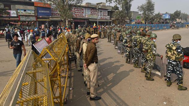 Initially, after a violent clash between farmers and police at Singhu Border, there was much hostility between the two sides.(PTI Photo)