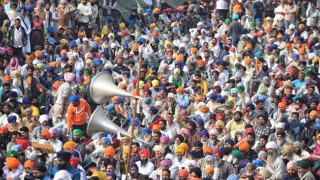 Farmers gathered at Singhu Border continue their protest against farm reform laws.(Sanchit Khanna/HT Photo)