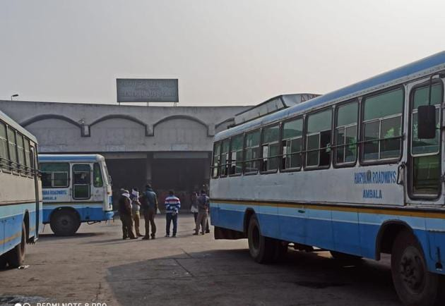 Haryana Roadways bus operations were affected by the Bharat Bandh call as farmers blocked National Highway 44 on Tuesday.(HT Photo)
