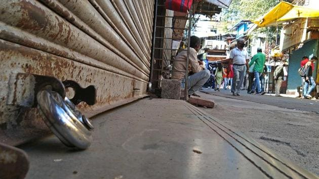 Deserted look of Tulsibag on Bharat Bandh day to support farmer's strike in India.(Ravindra Joshi/HT photo)