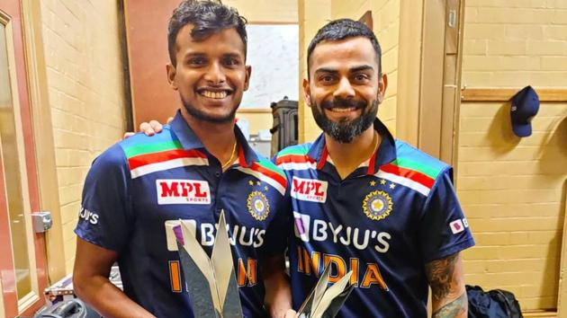 Photo of T Natarajan (L) with Indian captain Virat Kohli (R)(Twitter)