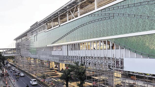 Work on the Sant Tukaramnagar metro station is progressing at a steady pace and the station will be ready in a few weeks.(HT PHOTO)
