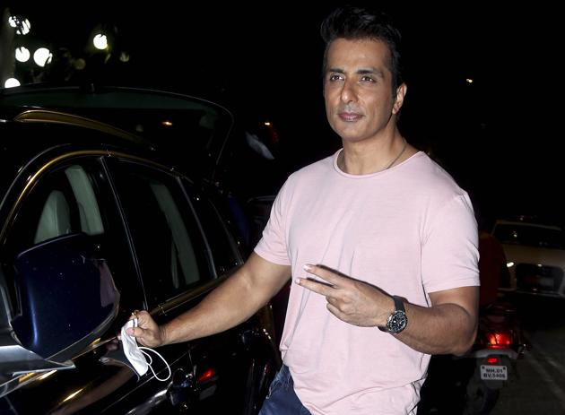 Actor Sonu Sood won praise from all quarters for his untiring efforts to help migrant workers during coronavirus lockdown.(PTI)