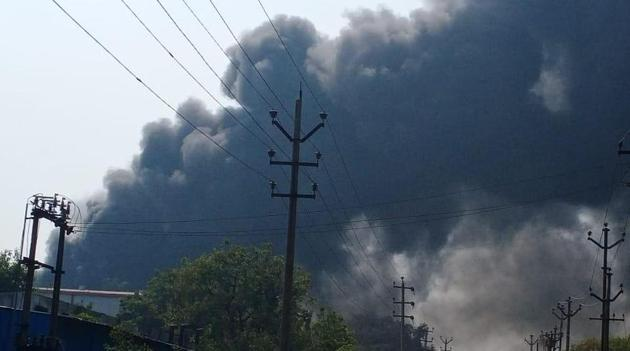 Thick fumes seen billowing after the explosion inside Vindhya Organics in Bollarum on Saturday.(Sourced Photo)