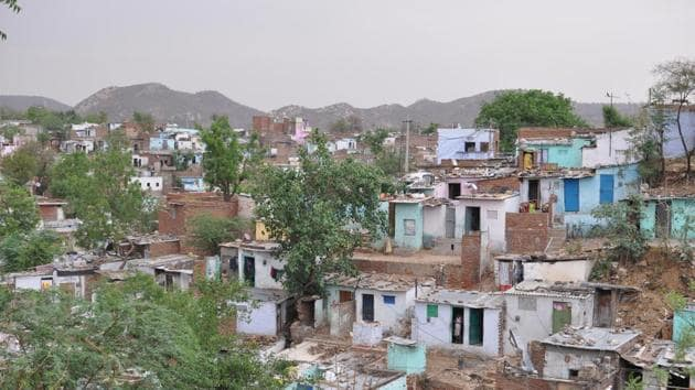 To better understand how slum residents were affected by the lockdown and pandemic, we conducted a phone survey with 321 slum leaders across 79 slums in Jaipur and Bhopal, at the height of the lockdown in April and May 2020(Adam Auerbach)