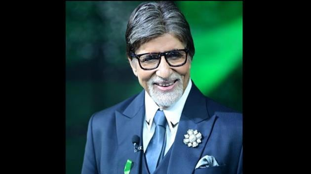 Amitabh Bachchan also penned down a quirky note expressing his concerns over how the new year 2021 will turn out.(Instagram/@amitabhbachchan)