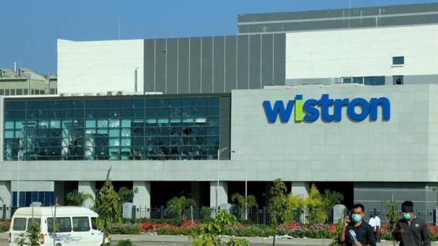 violence and vandalism at the facility of Wistron Pvt Ltd, manufacturer of iPhone has led to the registration of an FIR against 7000 people(REUTERS)